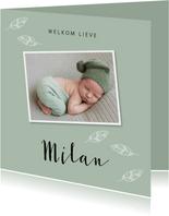 Geboortekaartje jongen foto mintgroen veertjes vierkant