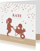 Geboortekaartje kruiwagen met zusjes in kraftkleur