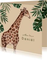 Geboortekaartje met giraffe en tropische bladeren