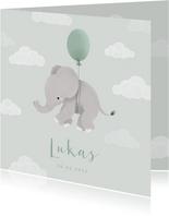 Geboortekaartje met olifantje aan ballon en wolkjes