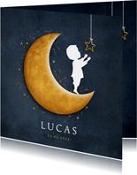 Geboortekaartje met silhouet van een jongen op gouden maan