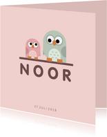 Geboortekaartje met simpel lief roze uiltje en broer/zus