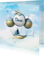 Geboortekaartje wieg aan ballonnen