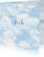 Geboortekaartje wolken hartjes goudlook jongen