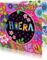 Gezellige verjaardagskaart met bloemen en planten