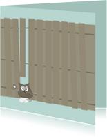 Grappige sterkte kaart met kat klem tussen schutting