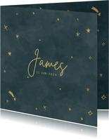 Hip geboortekaartje voor een jongen met gouden sterretjes