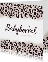 Hippe babyborrel uitnodiging met taupe panterprint en datum
