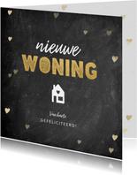 Hippe felicitatiekaart nieuwe woning krijtbord en hartjes