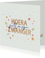 Hoera zwanger - dots and flowers - felicitatiekaart
