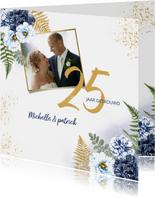 Huwelijksjubileum blauwe rozen foto