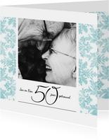 Jubileum, 50 jaar huwelijk, met retro bloemenbehang