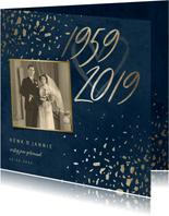 Jubileumkaart 60 foto jaartallen donkerblauw met terrazzo
