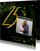Jubileumkaart jungle bladeren met foto en gouden '25'