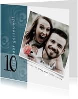 Jubileumkaart, modern met stempels van rozen en foto