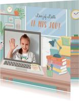Kaart van leerling aan de leerkracht met foto 'ik mis je'