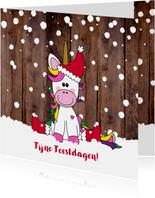 Kerst vrolijke en winterse kaart unicorn in de sneeuw