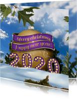 Kerstkaart 2020 en kerstbal in sneeuw