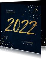 Kerstkaart 2022 jaartal goud spetters blauw