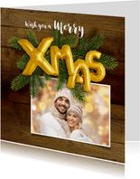 Kerstkaart hout en ballonnen goud XMAS 2020