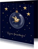 Kerstkaart - kerstbal met gouden vogeltje
