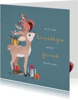Kerstkaart met illustratie van gestapelde bosdiertjes