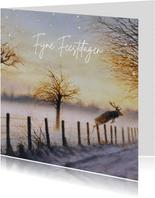 Kerstkaart met springend hert in winterbos
