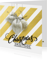 Kerstkaart trendy streep goud witte kerstballen
