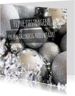 Kerstkaart zilveren kerstballen
