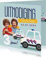 Kinderfeestje tweeling politieauto's foto's vrolijk