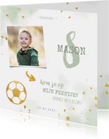 Kinderfeestje uitnodiging foto met voetbal en spetters