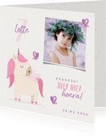 Kinderfeestje uitnodiging met foto, unicorn en vlinders
