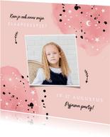 Kinderfeestje uitnodiging slaapfeestje voor een meisje