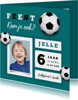 Kinderfeestje uitnodiging stoer voetbal foto