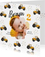 Kinderfeestjes - Kinderfeestje uitnodiging tractor hip confetti foto