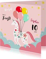Kinderfeestje uitnodiging unicorn met bloemen en ballonnen