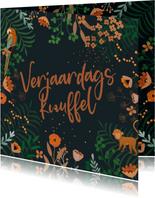 Knuffel kaart takjes en bloemen terracotta