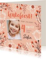 Lentefeest uitnodiging meisje bloemen foto