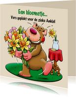 Leuke beterschapskaart met beertje en bloemen voor vrouw