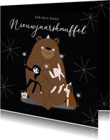 Leuke nieuwjaarskaart dikke knuffel dieren illustratie ster