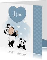 Lief geboortekaartje met baby in onesie en pandabeertje