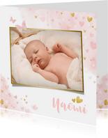 Lief geboortekaartje met waterverf hartjes, vlinders en foto