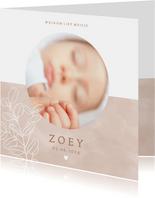 Lief geboortekaartje ronde foto plantje & hartje voor meisje