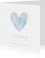 Lief geboortekaartje voor een jongen met blauw hart