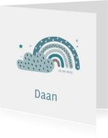 Lief geboortekaartje voor jongen met regenboog en wolk