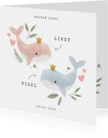 Lief geboortekaartje voor tweeling met walvissen en hartjes