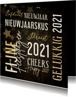 Moderne nieuwjaarskaart met woorden in goudlook