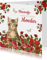 Moederdagkaart met kitten in rood bloemenveld