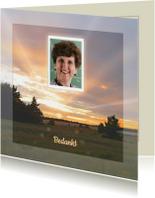 Mooie bedankkaart met zonsondergang  in de natuur