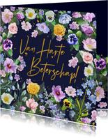 Mooie beterschapskaart met diverse bloemen zoals rozen